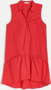 Czerwona sukienka Reserved koszulowa mini z okrągłym dekoltem