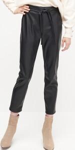 Czarne spodnie Reserved ze skóry ekologicznej
