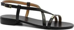 Czarne sandały Neścior z klamrami ze skóry w stylu casual