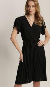 Czarna sukienka Renee z krótkim rękawem mini