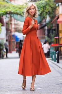 Pomarańczowa sukienka Ivet.pl midi