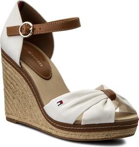 24c05903d198f Białe buty damskie z klamrami Tommy Hilfiger