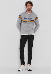 Sweter United Colors Of Benetton z okrągłym dekoltem w młodzieżowym stylu