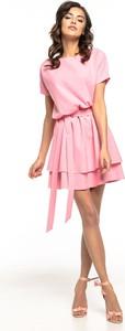 Różowa sukienka Tessita z okrągłym dekoltem mini