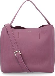 858d9b91aad2f torebki damskie skórzane na ramię. Różowa torebka Furla ze skóry ...