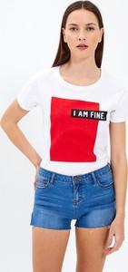 T-shirt Gate z bawełny w młodzieżowym stylu z krótkim rękawem