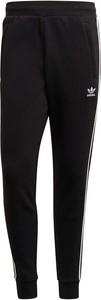 Czarne spodnie sportowe Adidas Originals w sportowym stylu z dresówki