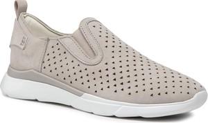 Buty sportowe Geox z płaską podeszwą