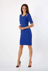 Niebieska sukienka Nommo z krótkim rękawem dopasowana
