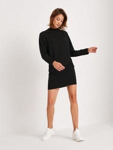 Czarna sukienka Diverse z golfem z długim rękawem z dzianiny