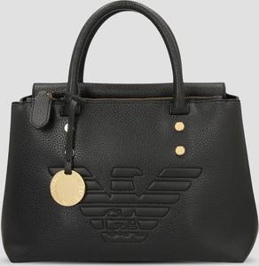 Czarna torebka Emporio Armani z breloczkiem