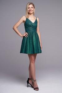 Sukienka Ella Boutique z dekoltem w kształcie litery v