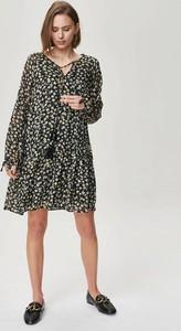 Sukienka FEMESTAGE Eva Minge z dekoltem w kształcie litery v w stylu boho mini