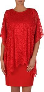 4a190b24f7 ... maskującym brzuch i biodra. Czerwona sukienka POLSKA oversize z dzianiny