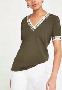 Zielony t-shirt River Island z dekoltem w kształcie litery v