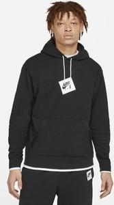 Czarna bluza Nike w młodzieżowym stylu z nadrukiem