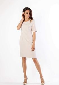 Sukienka Nommo z krótkim rękawem z okrągłym dekoltem dopasowana