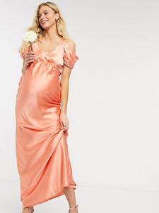 Hope & Ivy Maternity Hope & Ivy Maternity – Brzoskwiniowa atłasowa sukienka midaxi dla druhny z odsłoniętymi ramionami-Różowy