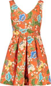 Pomarańczowa sukienka Naf naf bez rękawów rozkloszowana