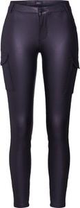 Granatowe spodnie Only w militarnym stylu
