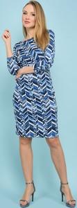Sukienka Un Coeur En Ete z długim rękawem w geometryczne wzory
