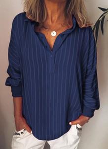 Niebieska bluzka Sandbella z dekoltem w kształcie litery v z długim rękawem