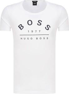 T-shirt Boss z bawełny w młodzieżowym stylu