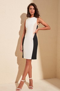 Sukienka Trendyol z okrągłym dekoltem mini prosta