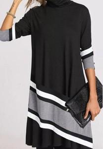 Czarna sukienka Sandbella w stylu casual mini