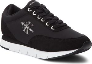 Sneakersy Calvin Klein na koturnie w sportowym stylu