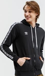 Bluza Umbro w młodzieżowym stylu