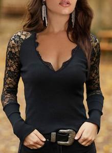Czarna bluzka Sandbella z dekoltem w kształcie litery v z długim rękawem w stylu casual