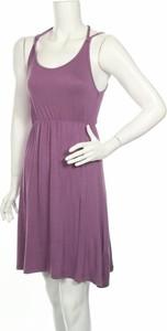 Fioletowa sukienka Golddigga na ramiączkach w stylu casual z okrągłym dekoltem