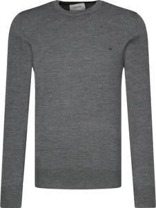 Sweter Calvin Klein w stylu casual