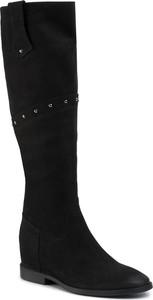 Czarne kozaki Nessi w stylu casual przed kolano