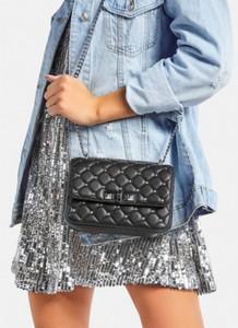 Czarna torebka DeeZee w stylu glamour na ramię
