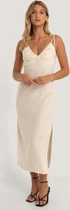 Sukienka NA-KD z lnu z dekoltem w kształcie litery v