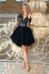 Sukienka Bicotone z długim rękawem z tiulu rozkloszowana