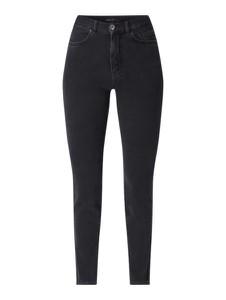 Czarne jeansy Marc Cain w street stylu