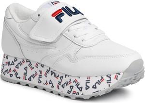 Sneakersy Fila z nadrukiem na platformie
