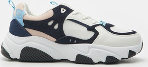 Buty sportowe Sinsay z płaską podeszwą