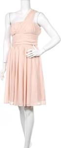 Różowa sukienka Asos z dekoltem w kształcie litery v mini bez rękawów