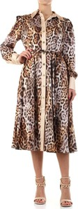 Sukienka Guess midi z dekoltem w kształcie litery v z długim rękawem