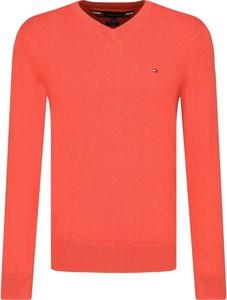 Czerwony sweter Tommy Hilfiger z kaszmiru