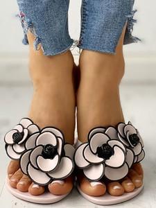 Sandały Elegrina ze skóry ekologicznej w stylu boho