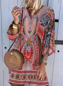 Sukienka Cikelly mini w stylu boho z dekoltem w kształcie litery v