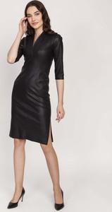 Czarna sukienka Lanti z dekoltem w kształcie litery v z długim rękawem ze skóry