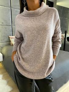 Różowy sweter ModnaKiecka.pl w stylu casual
