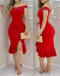 Sukienka Kendallme midi z odkrytymi ramionami z krótkim rękawem
