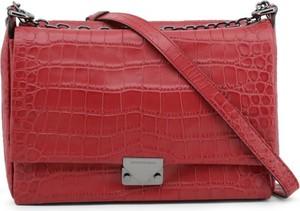 Czerwona torebka Emporio Armani na ramię